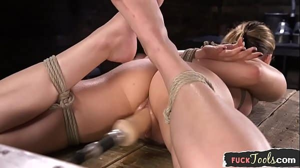BDSM machine babe gets throatfucked